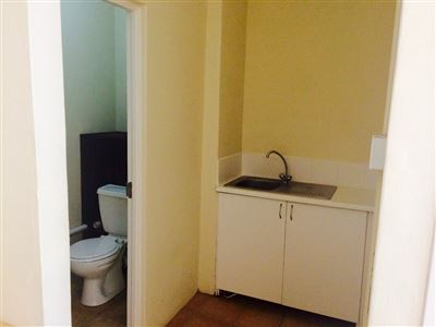Hilton property to rent. Ref No: 13443218. Picture no 4