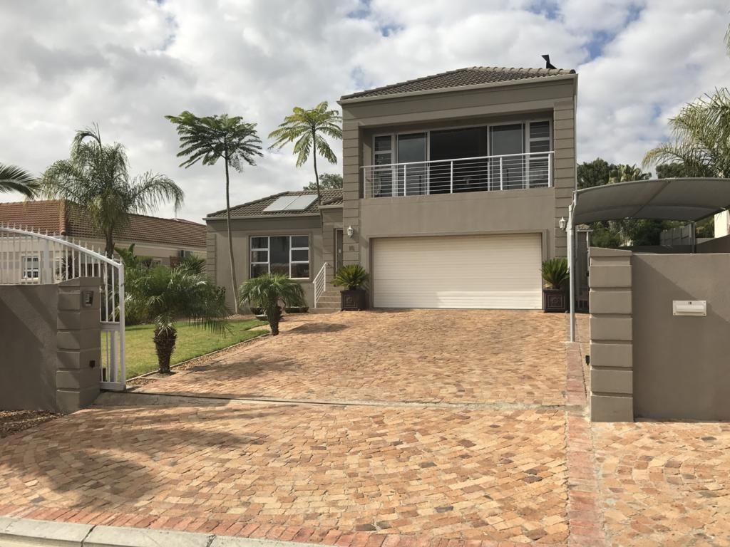 Fine Calibre Home in Langeberg Heights