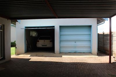 Middedorp property for sale. Ref No: 13448409. Picture no 4