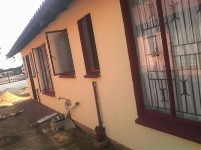 Property and Houses for sale in North West, House, 3 Bedrooms - ZAR 999,999,999