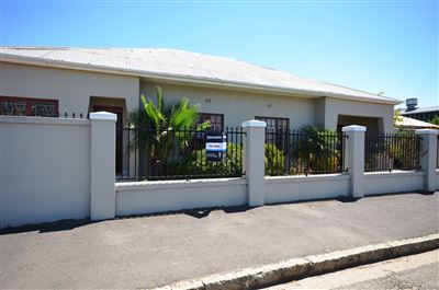 House for sale in Paarl