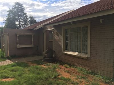 Bloemfontein, Fauna Property  | Houses For Sale Fauna, Fauna, House 3 bedrooms property for sale Price:849,900