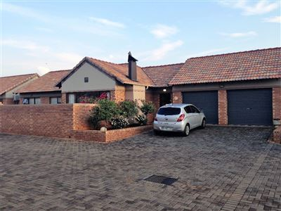 Bloemfontein, Lilyvale Property  | Houses For Sale Lilyvale, Lilyvale, Townhouse 3 bedrooms property for sale Price:1,575,000