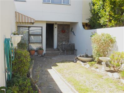 Cape Town, Plumstead Property    Houses For Sale Plumstead, Plumstead, Townhouse 3 bedrooms property for sale Price:2,195,000