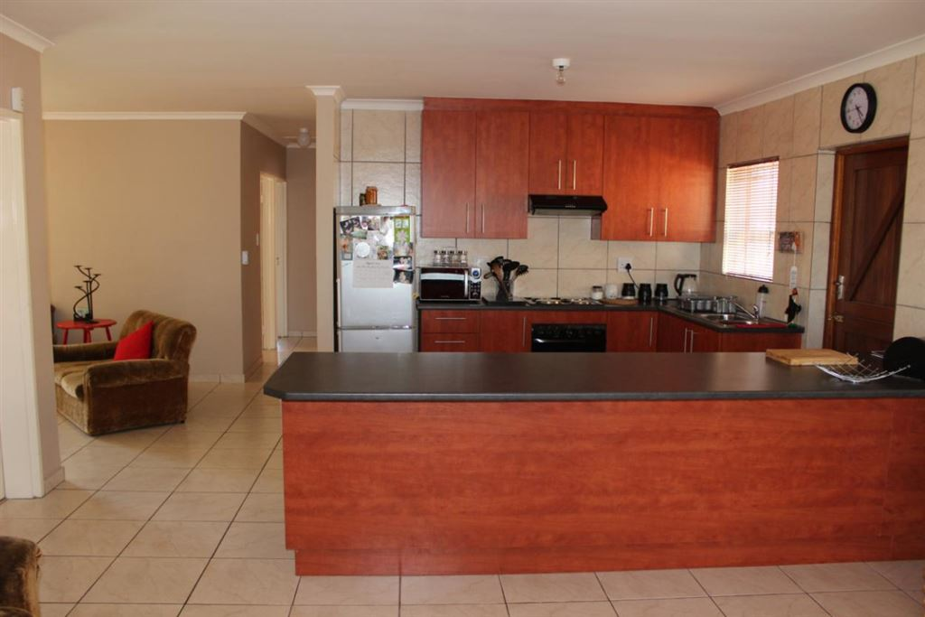 Low maintenance family home up for grabs, Kraaifontein