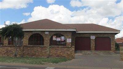 Witbank, Pine Ridge Property  | Houses For Sale Pine Ridge, Pine Ridge, House 4 bedrooms property for sale Price:850,000