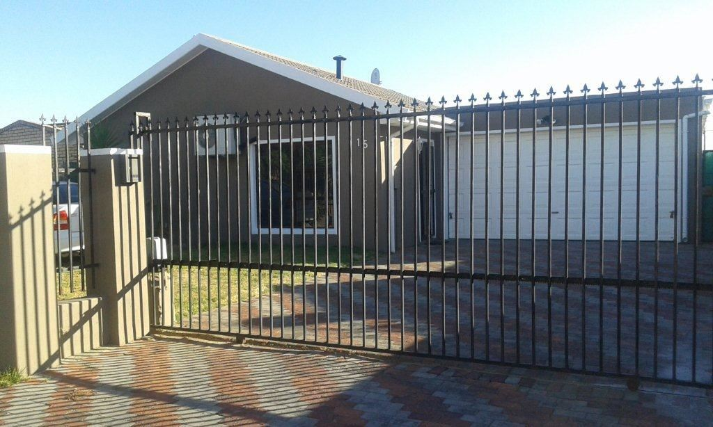 4 Bedroom house for sale, Windsor Park, Kraaifontein