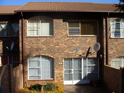 Roodepoort, Fleurhof Property  | Houses For Sale Fleurhof, Fleurhof, Townhouse 3 bedrooms property for sale Price:585,000