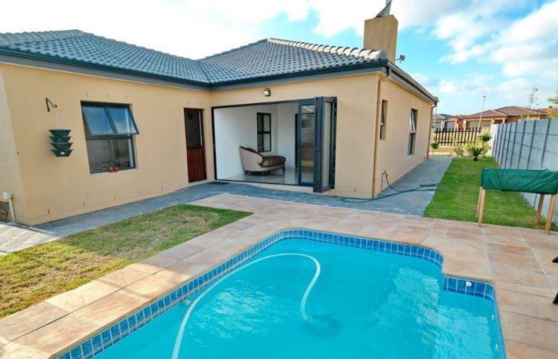 3 Bedroom Home for sale in Sonkring, Brackenfell