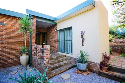 Bloemfontein, Langenhovenpark Property  | Houses For Sale Langenhovenpark, Langenhovenpark, House 4 bedrooms property for sale Price:1,420,000