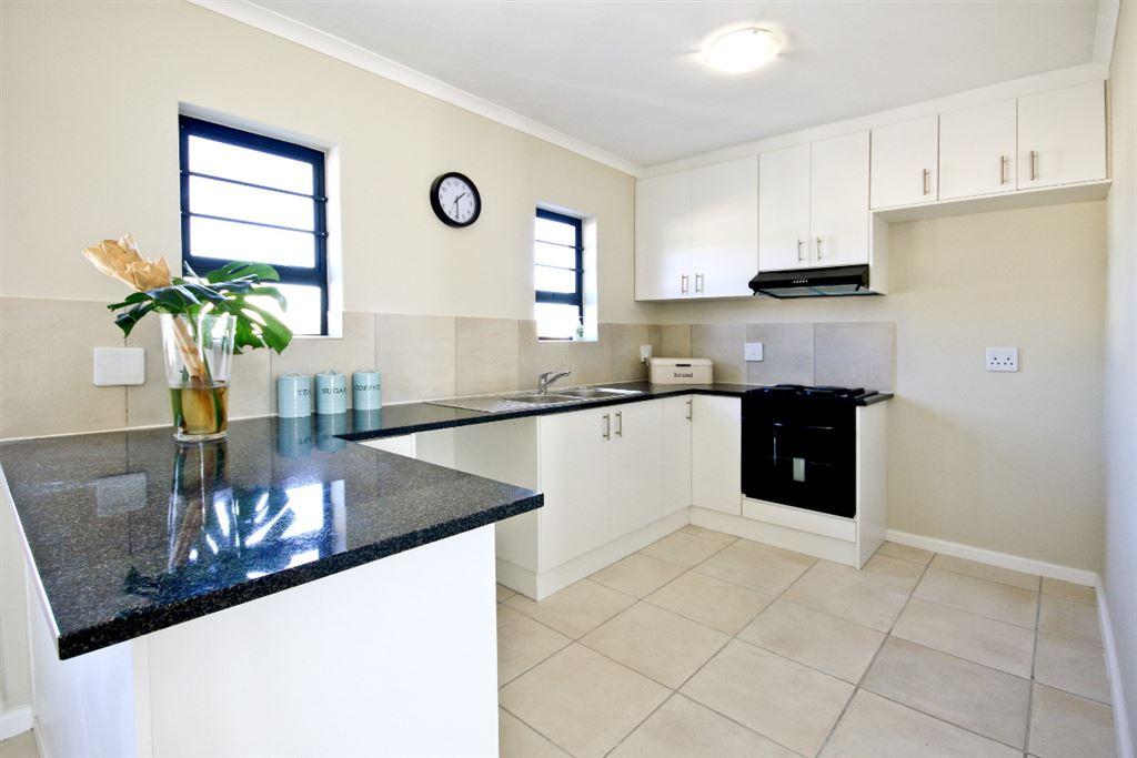 Modern freehold homes in Gordons Bay