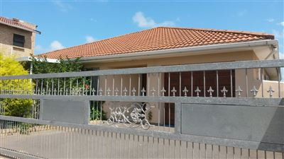 East London, Beacon Bay Property  | Houses To Rent Beacon Bay, Beacon Bay, House 3 bedrooms property to rent Price:,  9,00*