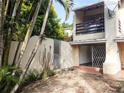 Townhouse for sale in Amanzimtoti