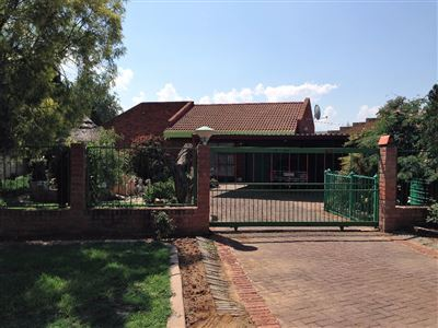 Bloemfontein, Fauna Property  | Houses For Sale Fauna, Fauna, House 3 bedrooms property for sale Price:1,080,000