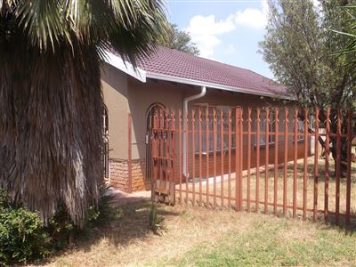 Klerksdorp, Boetrand Property  | Houses For Sale Boetrand, Boetrand, House 3 bedrooms property for sale Price:450,000