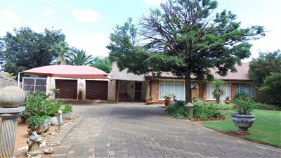 Bloemfontein, Pellissier Property  | Houses For Sale Pellissier, Pellissier, House 4 bedrooms property for sale Price:1,595,000