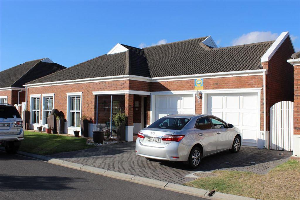 3 Bedroom house in Vierlanden, Durbanville