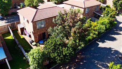Roodepoort, Allens Nek & Ext Property    Houses For Sale Allens Nek & Ext, Allens Nek & Ext, Townhouse 2 bedrooms property for sale Price:725,000