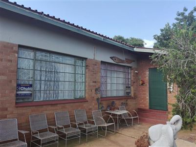 Rustenburg, Derby Property  | Houses For Sale Derby, Derby, House 4 bedrooms property for sale Price:610,000