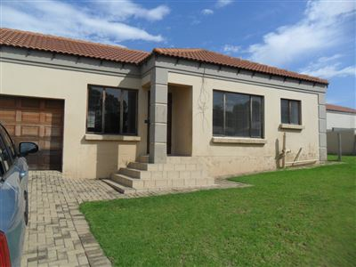 Witbank, Jackaroo Park Property  | Houses To Rent Jackaroo Park, Jackaroo Park, Townhouse 3 bedrooms property to rent Price:,  6,00*