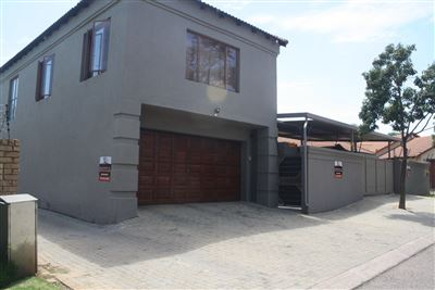House for sale in Moreletapark