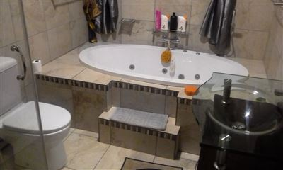 Waterval East property for sale. Ref No: 13461937. Picture no 10