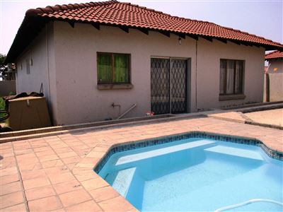 Waterval East property for sale. Ref No: 13461937. Picture no 1
