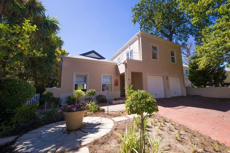 Majestic Home in Erinvale Golf Estate, Somerset West!