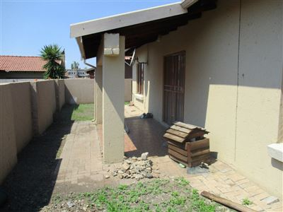 Waterval East property for sale. Ref No: 13462304. Picture no 14