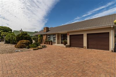 Bellville, Ridgeworth Property  | Houses For Sale Ridgeworth, Ridgeworth, House 4 bedrooms property for sale Price:2,450,000