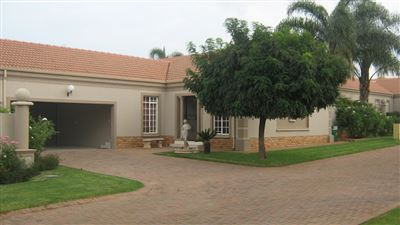 Klerksdorp, Wilkoppies Property  | Houses For Sale Wilkoppies, Wilkoppies, Townhouse 3 bedrooms property for sale Price:1,690,000
