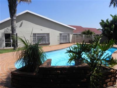 Roodepoort, Horison Property  | Houses For Sale Horison, Horison, House 3 bedrooms property for sale Price:1,850,000