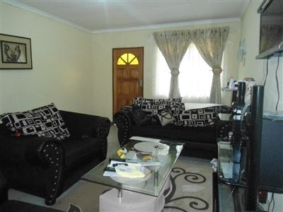 Rustenburg North property for sale. Ref No: 13464606. Picture no 4