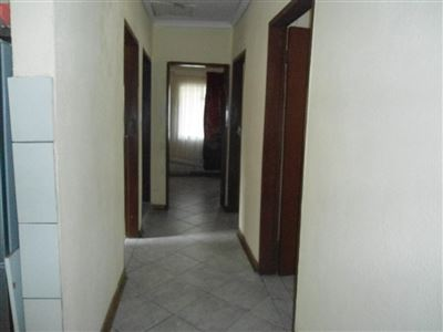 Rustenburg North property for sale. Ref No: 13464606. Picture no 9