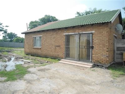 Rustenburg property for sale. Ref No: 13464696. Picture no 11