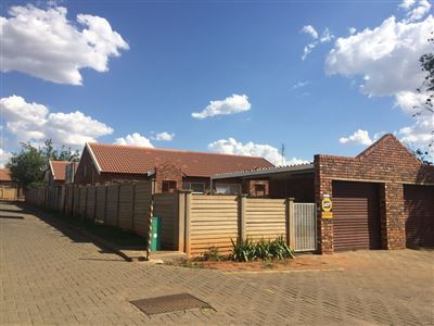 Bloemfontein, Fleurdal Property  | Houses For Sale Fleurdal, Fleurdal, Townhouse 3 bedrooms property for sale Price:680,000