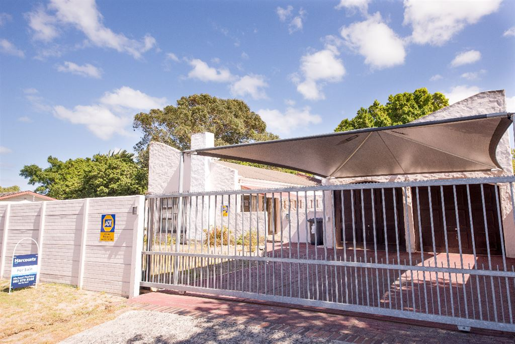 Incredible Value Family Home in somerset West