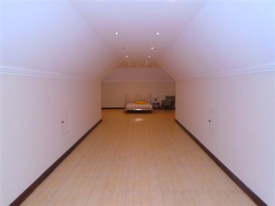 Wigwam property for sale. Ref No: 13466579. Picture no 62