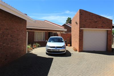 Bloemfontein, Gardeniapark Property  | Houses For Sale Gardeniapark, Gardeniapark, Townhouse 3 bedrooms property for sale Price:950,000