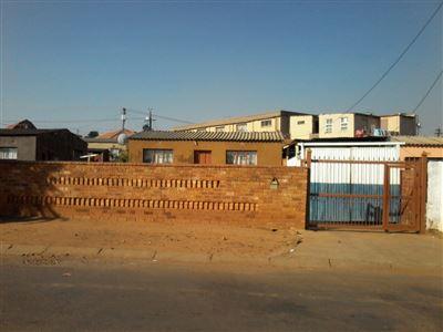 Pretoria, Atteridgeville & Ext Property  | Houses For Sale Atteridgeville & Ext, Atteridgeville & Ext, Flats 4 bedrooms property for sale Price:499,000