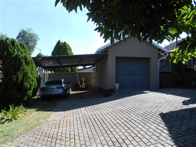 Roodepoort, Lindhaven & Ext Property  | Houses For Sale Lindhaven & Ext, Lindhaven & Ext, House 4 bedrooms property for sale Price:798,000