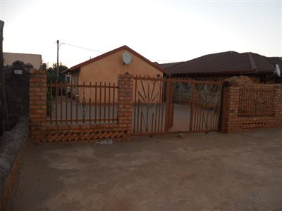 Rustenburg, Boitekong Property  | Houses For Sale Boitekong, Boitekong, House 2 bedrooms property for sale Price:380,000