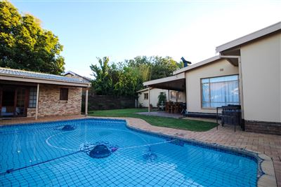 Bloemfontein, Universitas Property  | Houses For Sale Universitas, Universitas, House 6 bedrooms property for sale Price:1,890,000