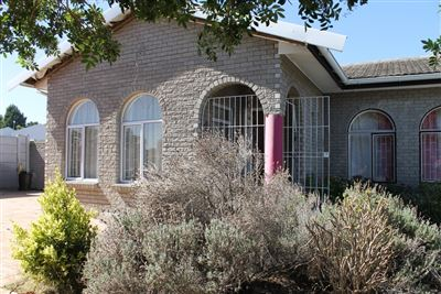 Brackenfell, Protea Heights Property  | Houses For Sale Protea Heights, Protea Heights, House 3 bedrooms property for sale Price:3,692,500