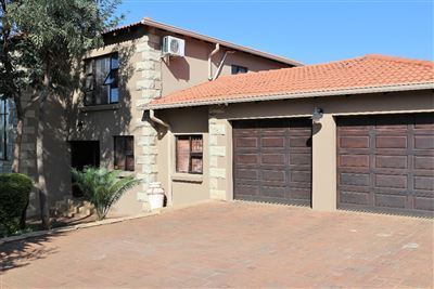 House for sale in Safari Gardens And Ext