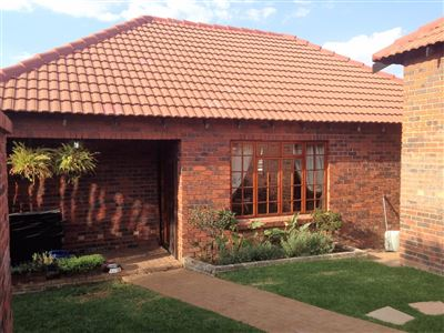Bloemfontein, Pentagon Park Property  | Houses For Sale Pentagon Park, Pentagon Park, Townhouse 2 bedrooms property for sale Price:1,199,000