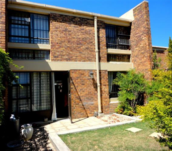 Stellenbosch, Stellenbosch Central Property  | Houses For Sale Stellenbosch Central, Stellenbosch Central, Townhouse 2 bedrooms property for sale Price:1,575,000