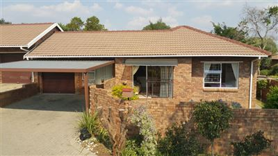 Roodepoort, Wilgeheuwel Property  | Houses For Sale Wilgeheuwel, Wilgeheuwel, Townhouse 2 bedrooms property for sale Price:980,000