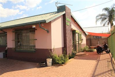 Pretoria, Booysens Property  | Houses For Sale Booysens, Booysens, House 4 bedrooms property for sale Price:967,500