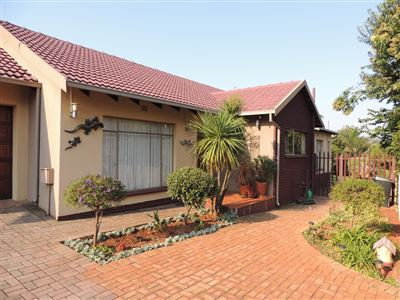 Roodepoort, Helderkruin & Ext Property  | Houses For Sale Helderkruin & Ext, Helderkruin & Ext, House 3 bedrooms property for sale Price:1,749,000